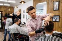 В неофициальный список профессий, в которых редко можно встретить мужчин, попал парикмахер.
