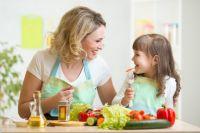 Идеально, если родители и дети будут принимать пищу одновременно.