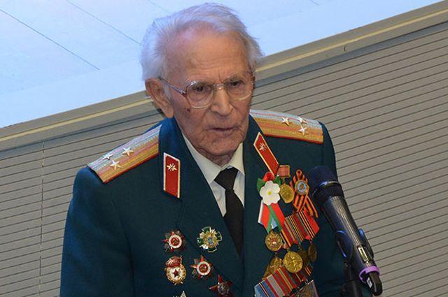 Петр Котельников.