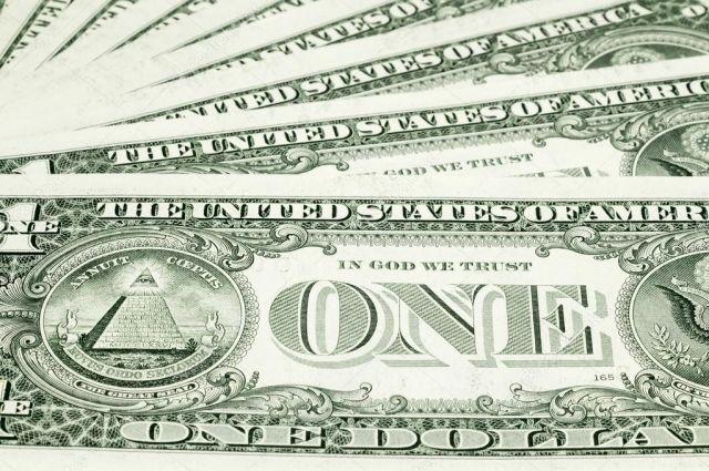 Американский доллар на 75% состоит из хлопка, на 25% - из льна, а кроме того, полотно доллара усилено синтетикой.