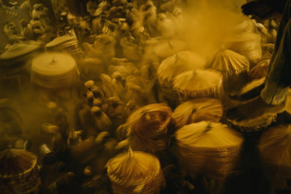 Донелл Гумиран из ОАЭ вышел в финал с кадром, снятым в Индии на фестивале, посвященном богу Халди