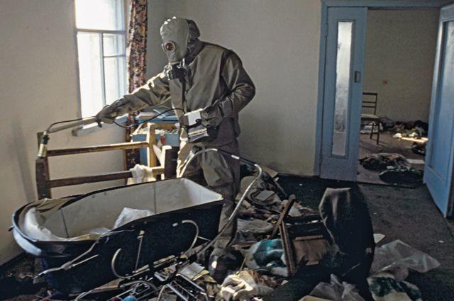 Дезактивационные работы по снижению уровней радиоактивного загрязнения в 30-ти километровой зоне после аварии на Чернобыльской АЭС.