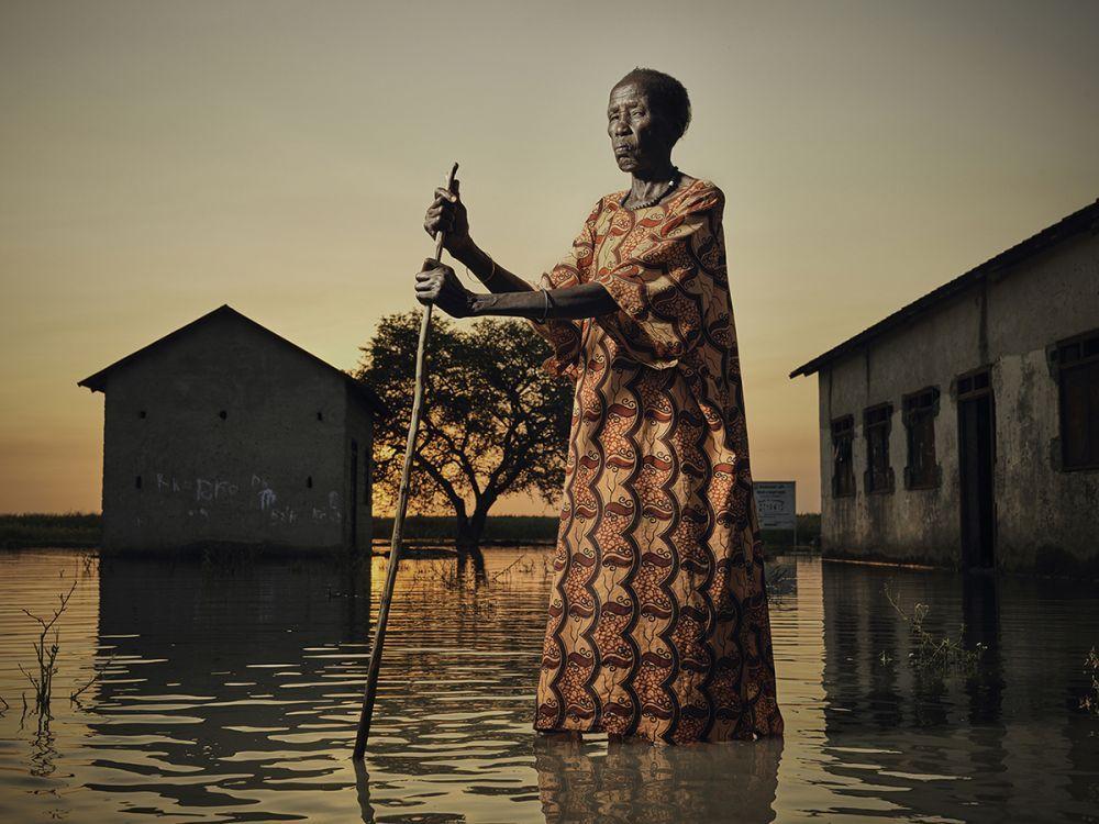 Также была отмечена работа британца Питера Кейтона, посвященная жертвам катастрофических наводнений в Южном Судане