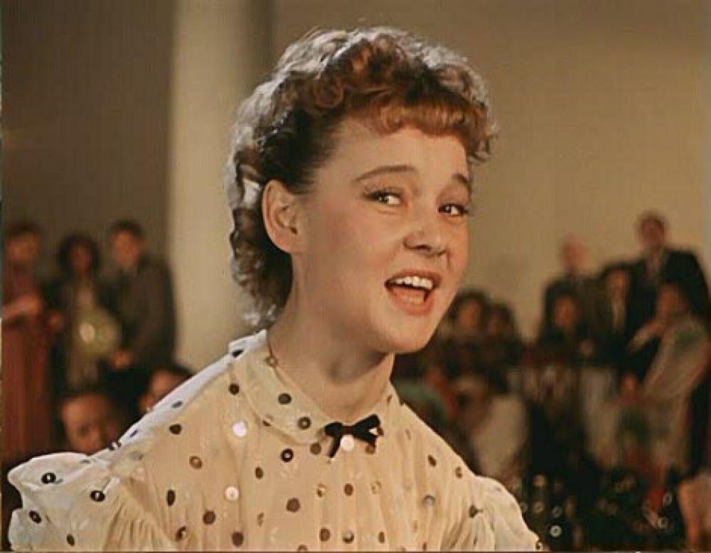 Актриса Людмила Гурченко в роли Леночки Крыловой (1956 год).