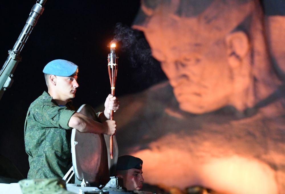 Военнослужащие во время мероприятий, посвященных началу Великой Отечественной Войне.