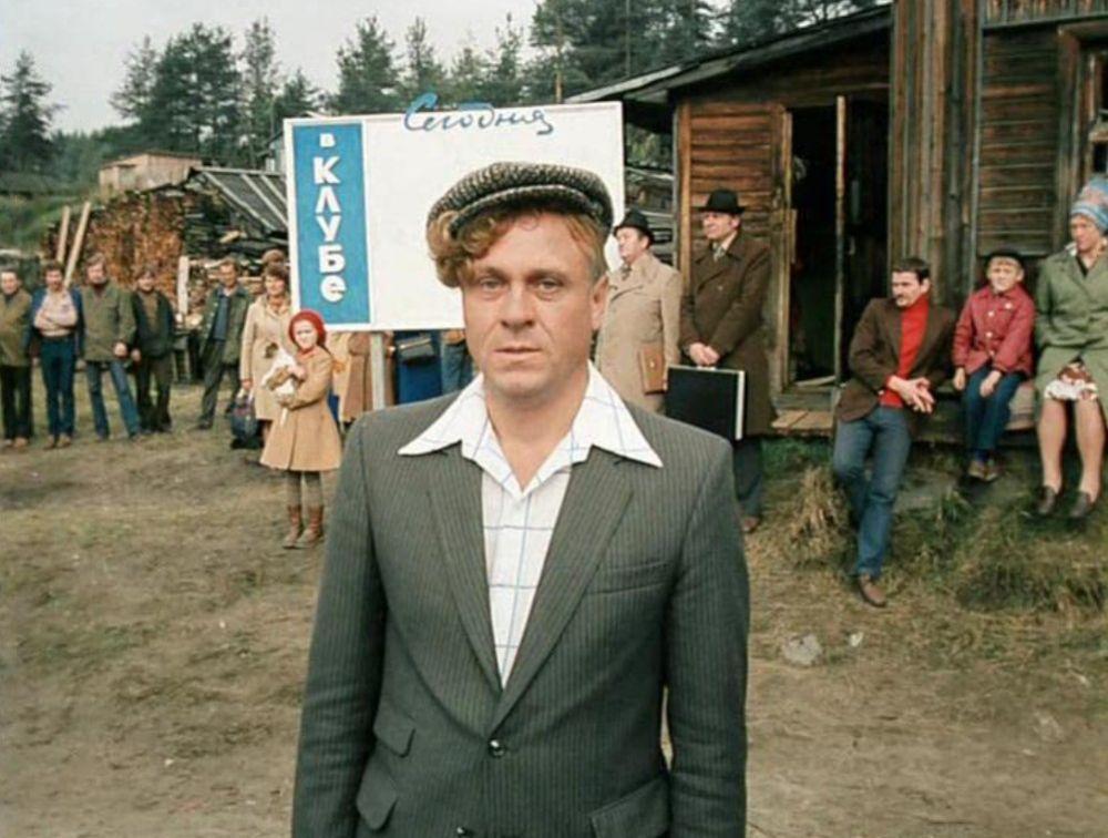 Владимир Меньшов в кадре из фильма «Любовь и голуби», 1985 год