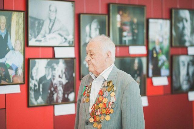 Ветеран Великой Отечественной войны Олег Назарович Плиндов прошёл огненными дорогами Западного, Калининского и 3-го Белорусского фронтов.