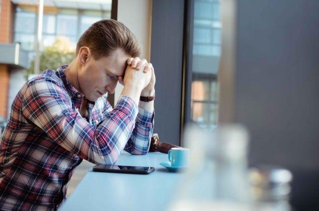 Одинокие люди в два раза чаще болеют. При этом одиночество ухудшает здоровье, а плохое здоровье - усиливает одиночество.