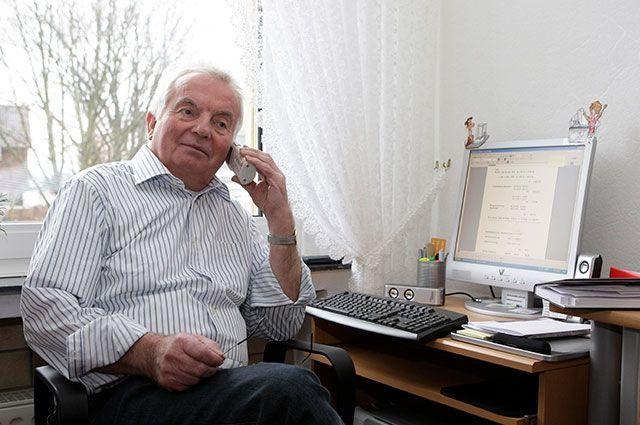 Основной диапазон зарплат, на которые может рассчитывать пенсионер после выхода на заслуженный отдых, - в пределах 300-500 руб.