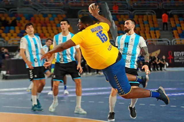 Колоритный гандболист Готье Мвумби стал звездой Чемпионата мира-2021.