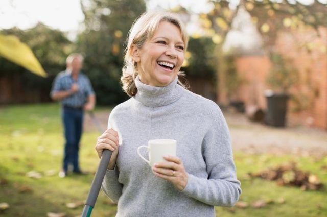 Заставить радоваться нельзя, но можно помочь почувствовать радость.