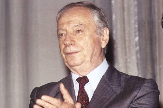 Ив Монтан, 1990 год.